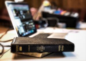 Bible 8109935